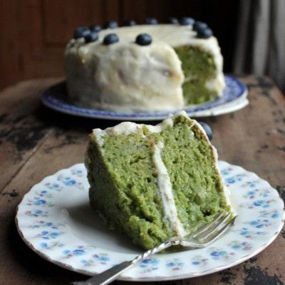 Kale Apple Cake with Apple Icing | Veggie Desserts Blog