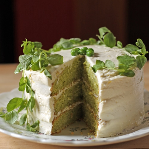 Vanilla And Pea Cake With Lemon Icing