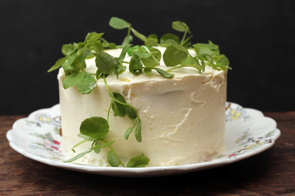 Vanilla and Sweet Pea Cake with Lemon Icing | Veggie Desserts