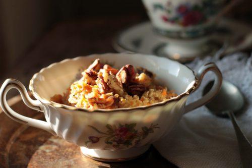 Carrot Cake Oatmeal with Pecans (vegan) | Veggie Desserts Blog