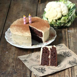 Chocolate Cauliflower Cake | Veggie Desserts Blog