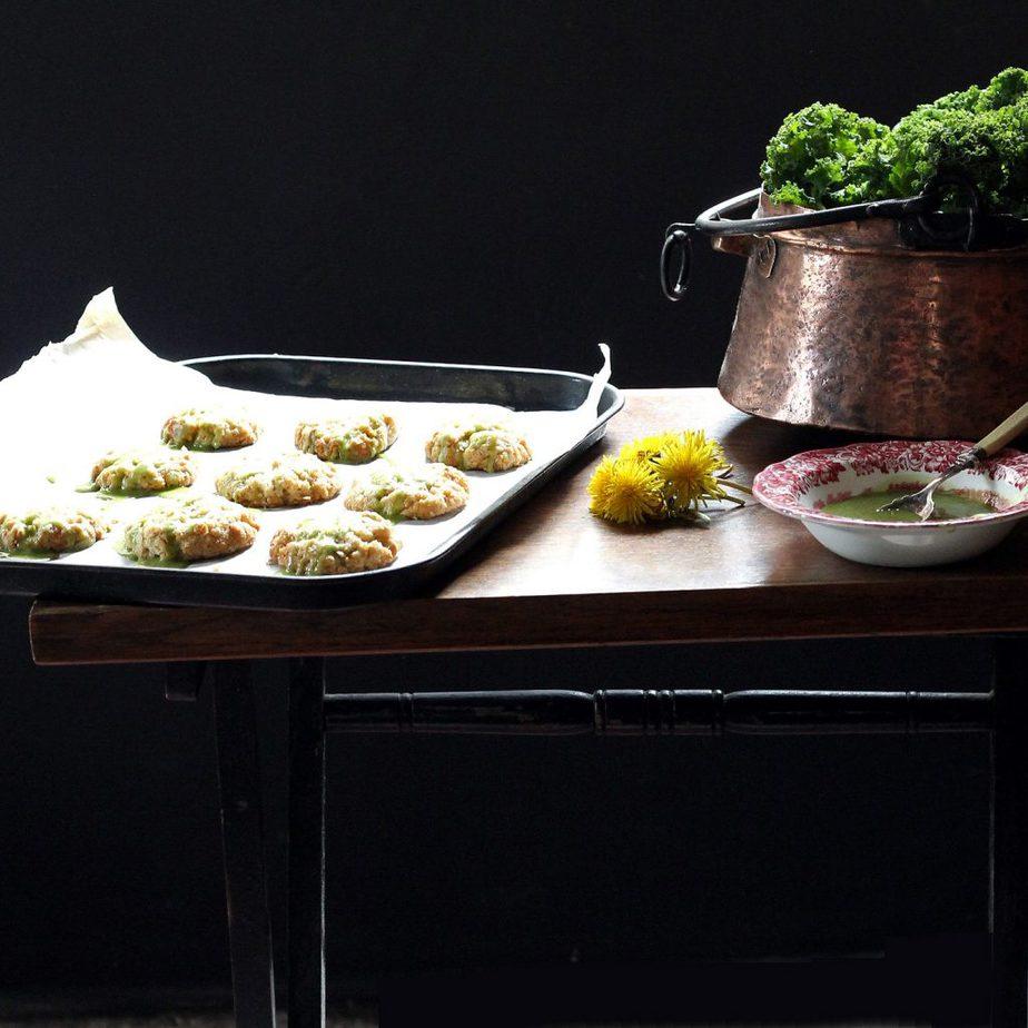 Dandelion Petal and Lemon Cookies with Kale Lemon Drizzle | VeggieDesserts Blog