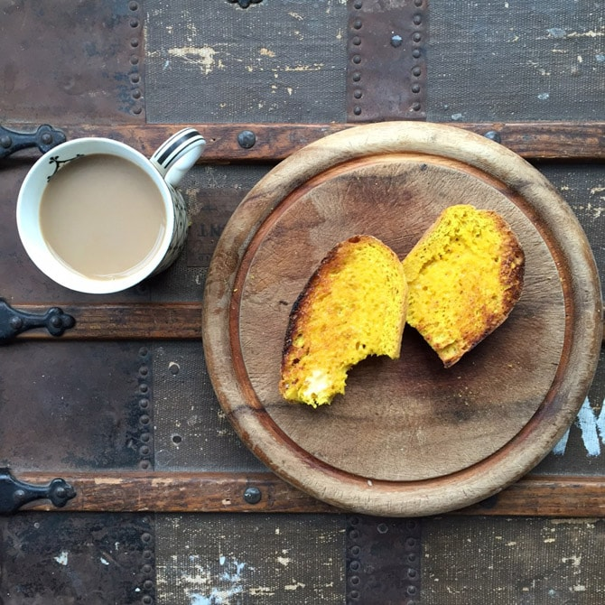 Turmeric and Black Pepper Bread | 7 Healthy Breakfasts for Organic September | Veggie Desserts