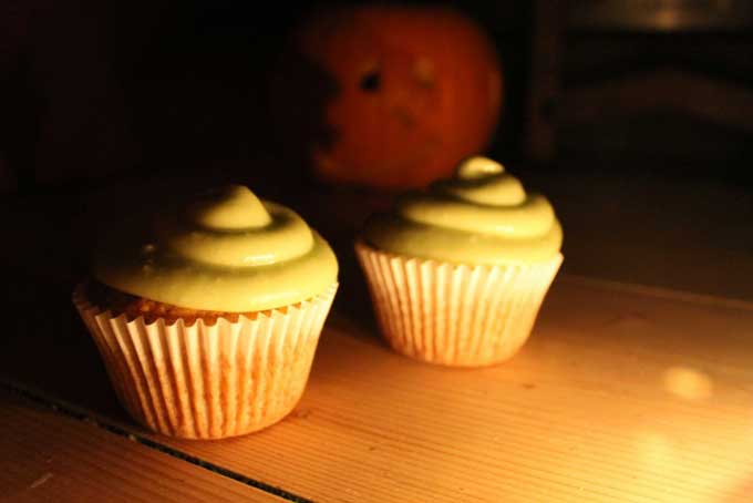 Pumpkin Cupcakes With Buttermilk Icing Recipe — Dishmaps