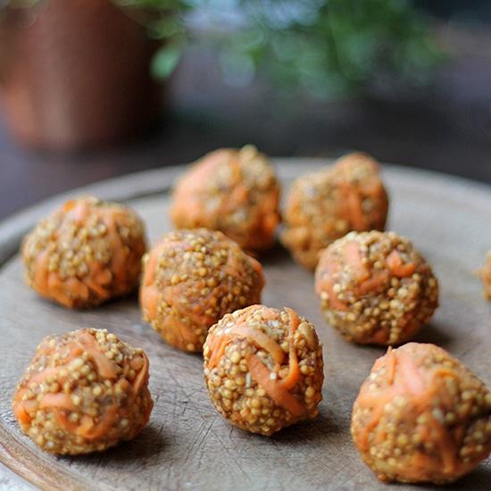 Carrot Cake Quinoa Balls | Vegan, Gluten-Free, Sugar-Free | Veggie Desserts Blog