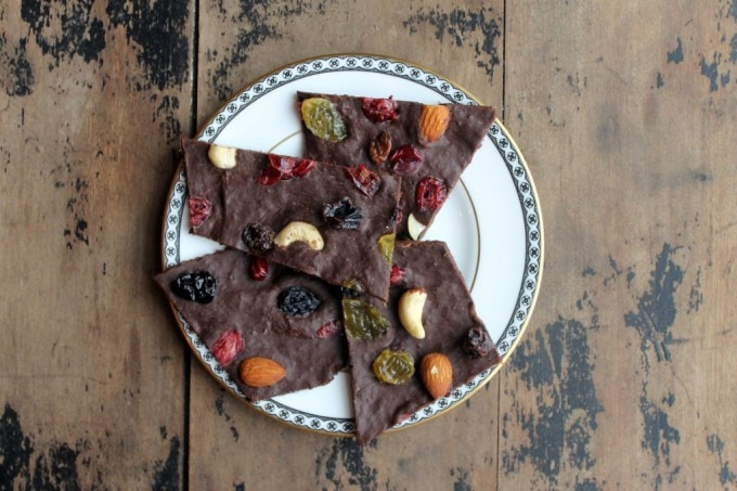 Pumpkin and Spice Dark Chocolate Bark | Veggie Desserts
