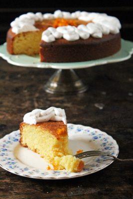Almond and Orange PAN Corn Flour Cake with Cardamom Coconut Cream | Gluten-Free | Veggie Desserts Blog