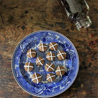 Hot Cross Balls | Vegan and Gluten Free Easter | Veggie Desserts Blog