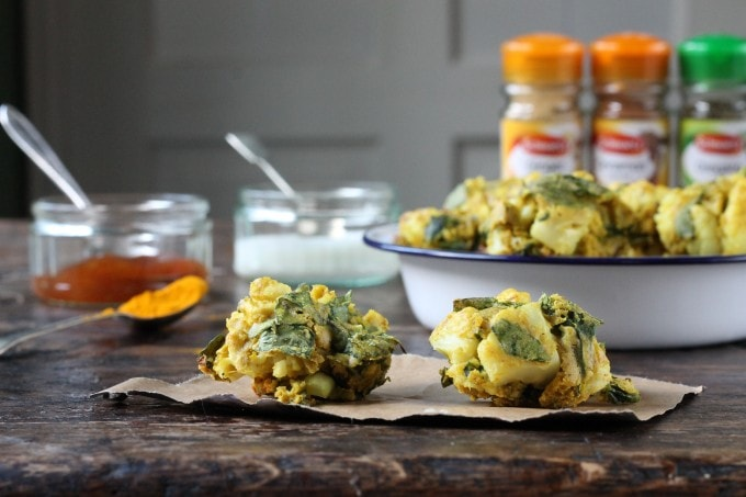 Cauliflower and Spinach Pakoras | Vegan, Gluten-Free | Veggie Desserts Blog