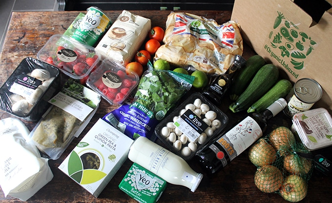 Organic vegetable box contents