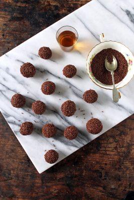 Christmas Leftover Recipes: Christmas Pudding Truffles with Rum   Veggie Desserts Blog