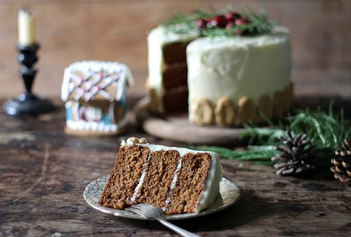 GIngerbread Cake with Salted Honey Buttercream | Veggie Desserts Blog