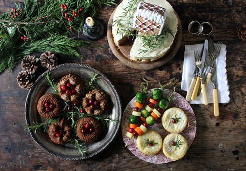 Mini Bundt Chestnut Roasts with Sage Gravy | Veggie Desserts Blog