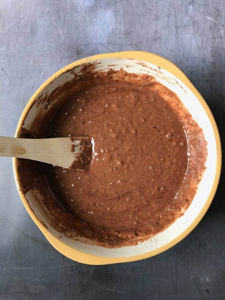 How to make vegan chocolate cake - Step 4: Stir the wet ingredients into the dry and mix