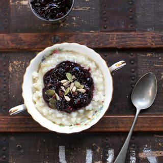 Vegan Rice Pudding with Winter Spiced Berry Compote | Veggie Desserts Blog
