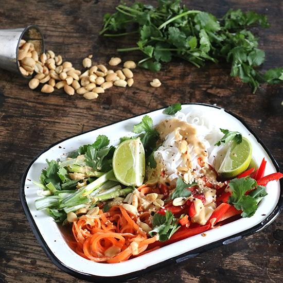 Vegan Noodle Bowl with Peanut Sauce | Veggie Desserts Blog