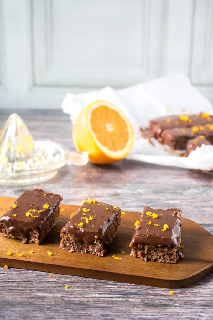These vegan chocolate orange oat bars are quick and easy, but full of flavour. The decadent chocolate pairs beautifully with the citrusy orange.