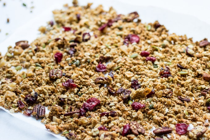 How to make an easy vegan gingerbread granola recipe.