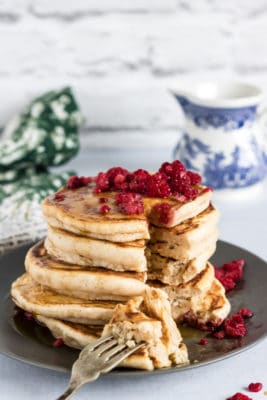 These easy fluffy vegan pancakes are delicately spiced with gingerbread. They're an amazing Christmas breakfast or any time of year!