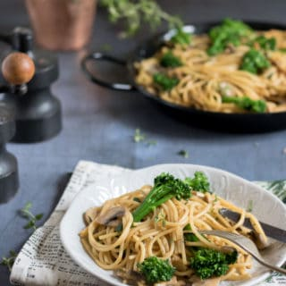 Easy Tenderstem® and Mushroom Vegan One Pot Pasta