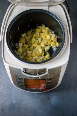 Making kale soup in a Redmond multicooker