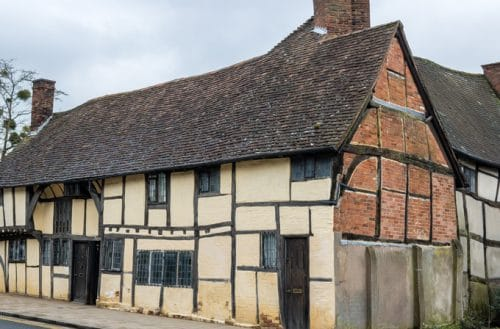 Exterior of One Masons Court - self catering cottage in Stratford-upon-Avon booked through Manor Cottages