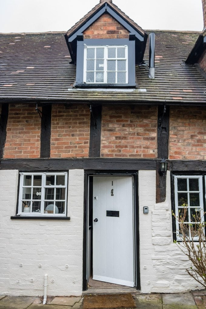 Entrance to One Mason's Court - self catering cottage in Stratford-upon-Avon