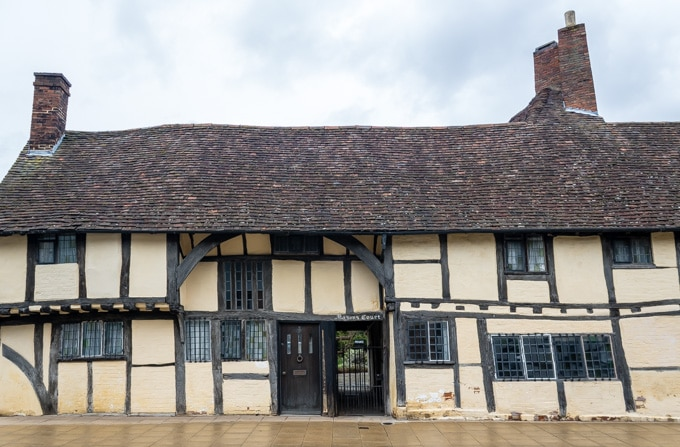 One Mason's Court, Stratford-Upon-Avon - exterior.