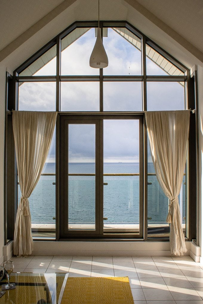 Gylly Sunrise - Self catering sea view apartment in Falmouth