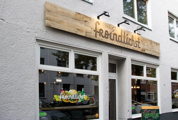 Outside Froindlichst vegan restaurant Hamburg