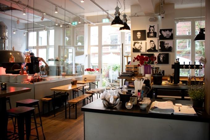 Inside Jill's Pizzeria, Hamburg