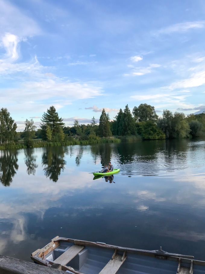 Kayaking on the lake - Log House Holidays Cotswolds