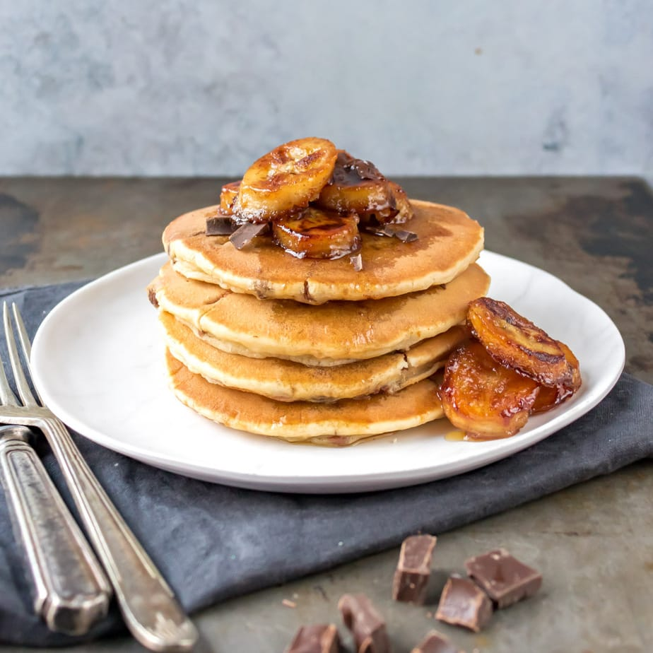 Pancakes topped with caramelised banana slices.